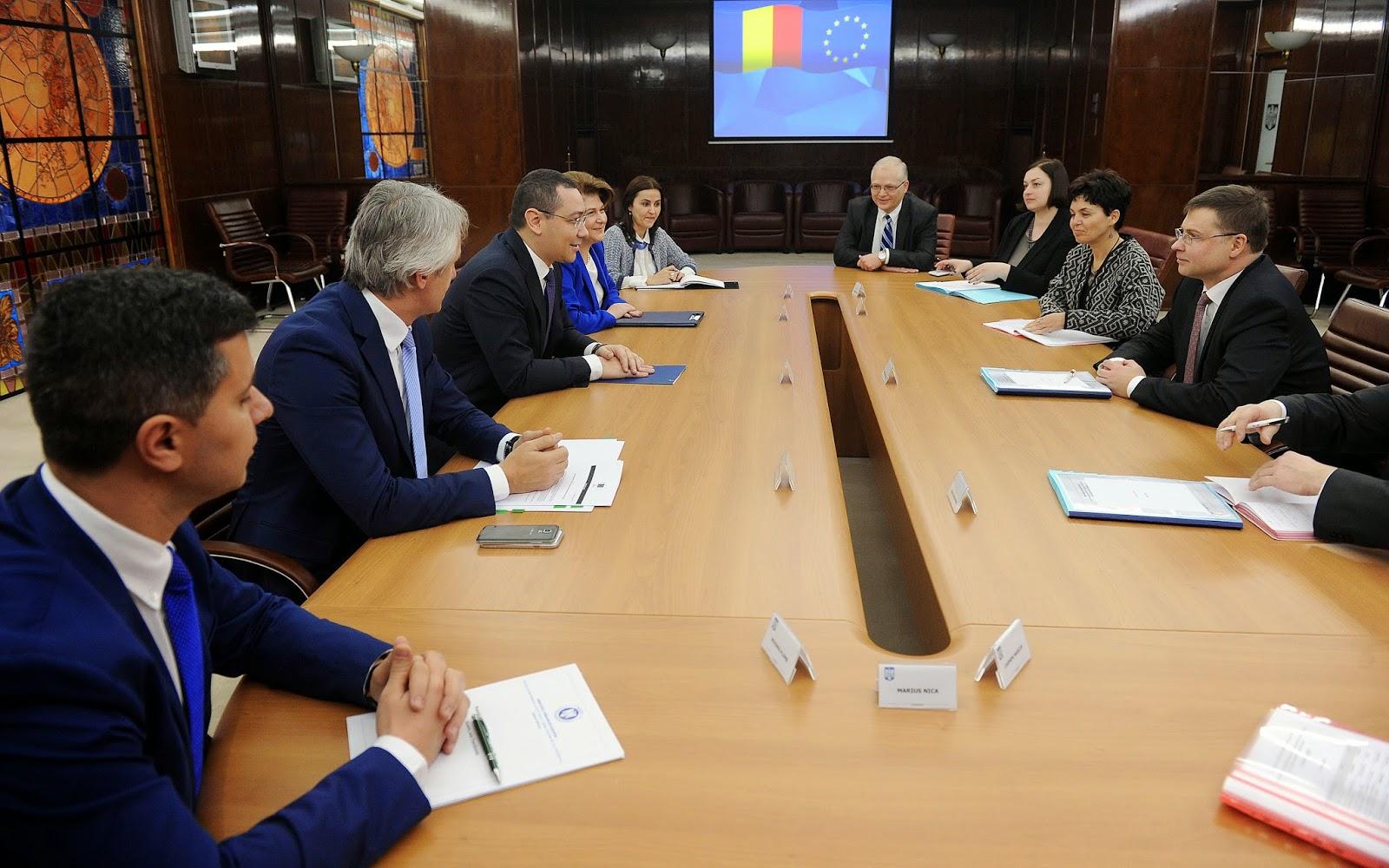 áfacsökkentés, adócsalás, Románia, Európai Bizottság, gazdaság, román kormány, Victor Ponta, Ponta-kormány, Valdis Dombrovskis