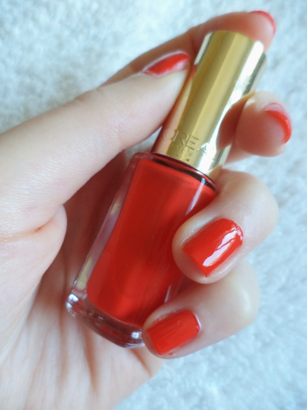 Emma & The Beauty Blog: L\'Oreal Color Riche Nail Polish in Spicy Orange