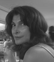 Helga König im Gespräch mit Laurence Balshüsemann-Beilin- PR Managerin von ACQUA  DI PARMA