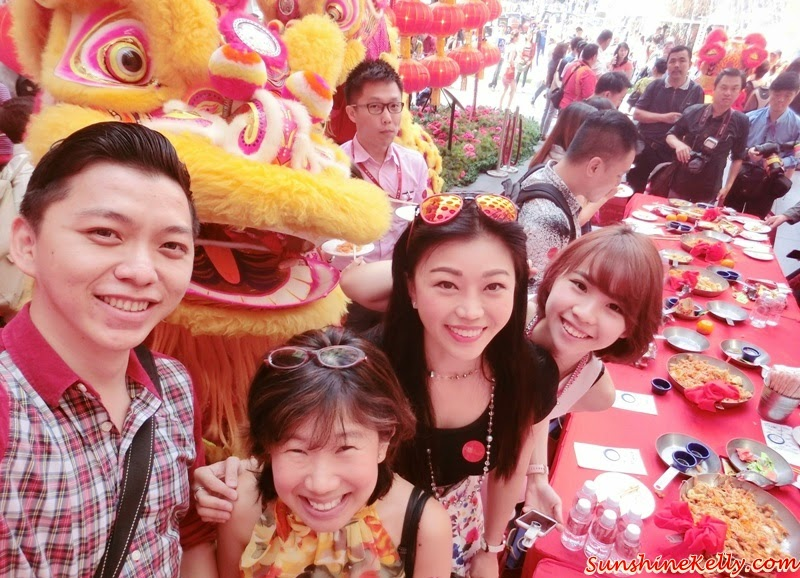 CNY 2015, Peak of Prosperity, Pavilion Kuala Lumpur, Golden Goat, Canopy of Prosperity, Grand Floral Garden, Biggest Goat Replica, Malaysian Book of Records, LED Peonies, Spanish Steps, Grand Lou Sang