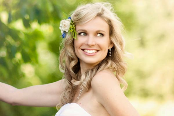 Bridal Hair Down With Flowers : Wedding hairstyles with flowers and hair down http