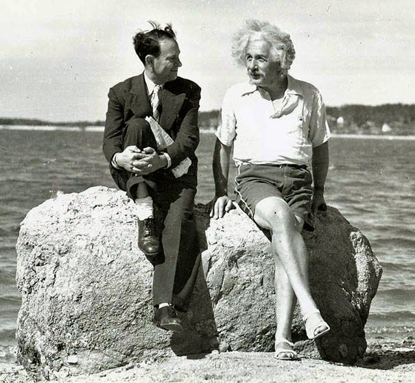These 15 Incredibly Rare Historical Photos Will Leave You Speechless - Einstein at Nassau Point, Long Island, New York in the summer of 1939.