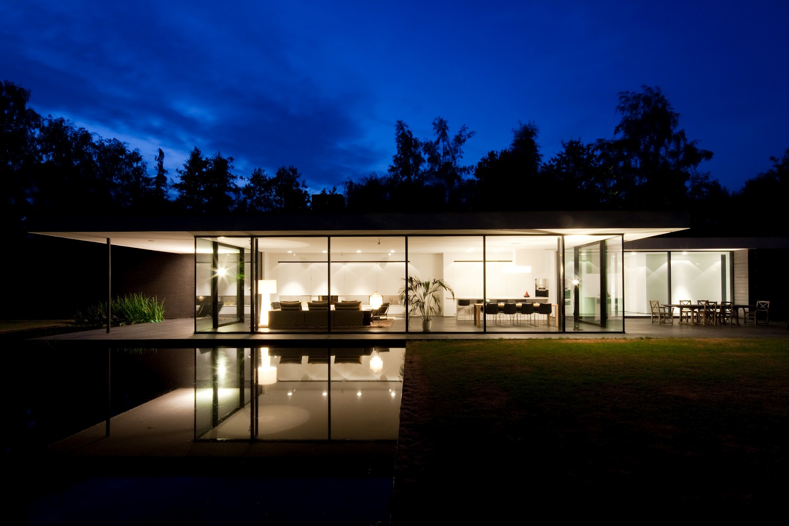 Ultra modern glass house architecture modern design by for Classic minimalist house design