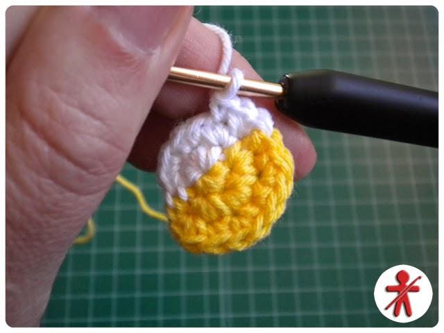 Amigurumisfanclub Kevin : Amigurumisfanclub: photo tutorial: minion's eye step by step · foto