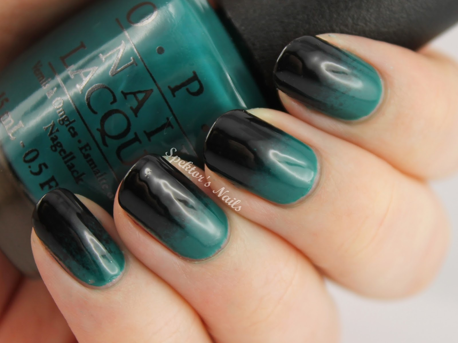 Gradient Nails / OPI - AmazON...AmazOFF