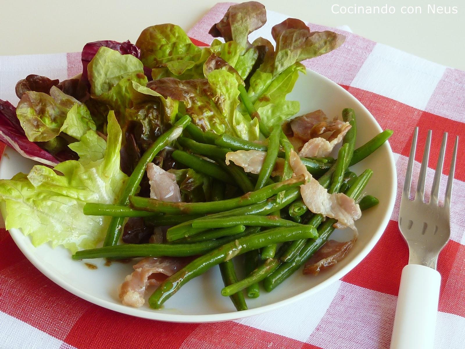 Cocinando con neus ensalada verde de jud as verdes y beicon - Como preparar las judias verdes ...
