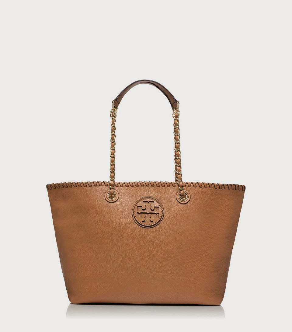 http://api.shopstyle.com/action/apiVisitRetailer?url=http%3A%2F%2Fwww.toryburch.com%2Fmarion-small-tote%2F11149749.html%3Fstart%3D7%26q%3Dmarion%2520tote%26dwvar_11149749_color%3D001&pid=uid1936-24454956-13