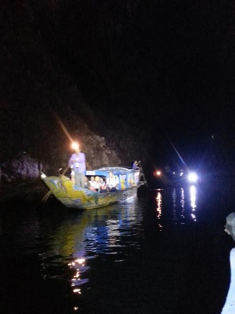 Tour động Phong Nha chiều sâu 2500m, tour moi dong Phong Nha 2,5km, tour moi dong Phong Nha 2,5km bang thuyen kayak - thuyen doc moc