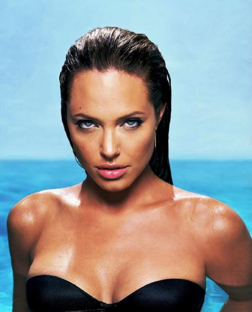 angelina jolie wallpaper bikini. Angilina jolie sexy wallpapers