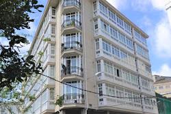 Piso de tres dormitorios en venta en Cuatro Caminos, garaje. 260.000€