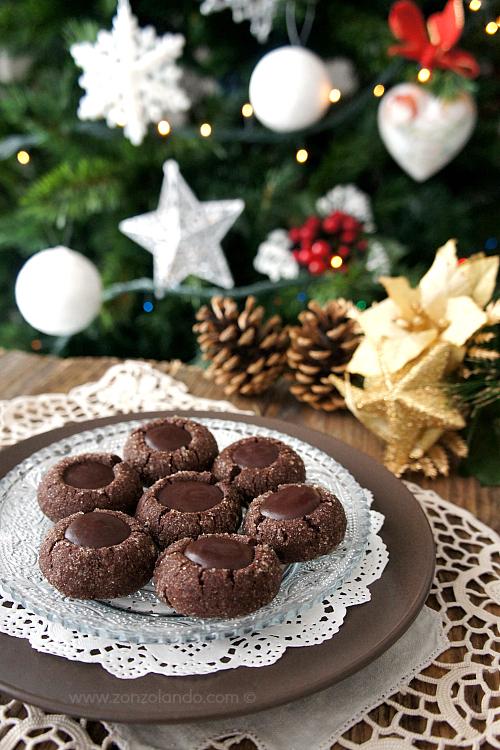 Biscotti più buoni del mondo al cioccolato ricetta - Chocolate thumbprint cookies recipe
