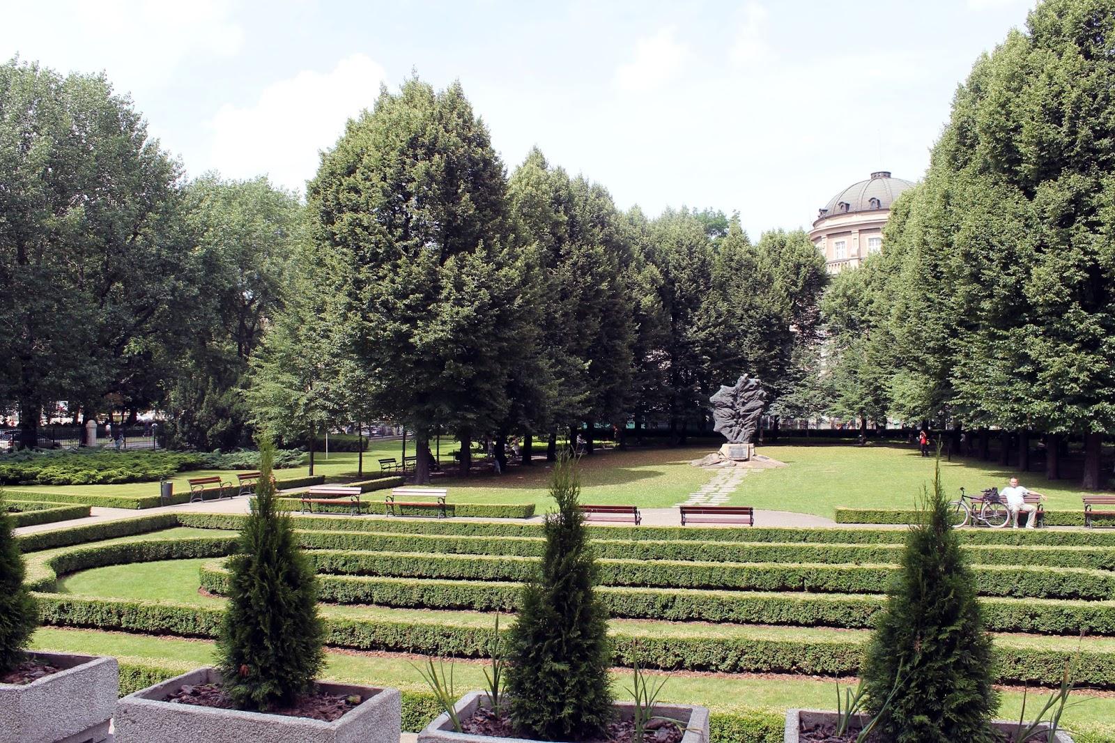 Znalezione obrazy dla zapytania Park przy zamku cesarskim poznan