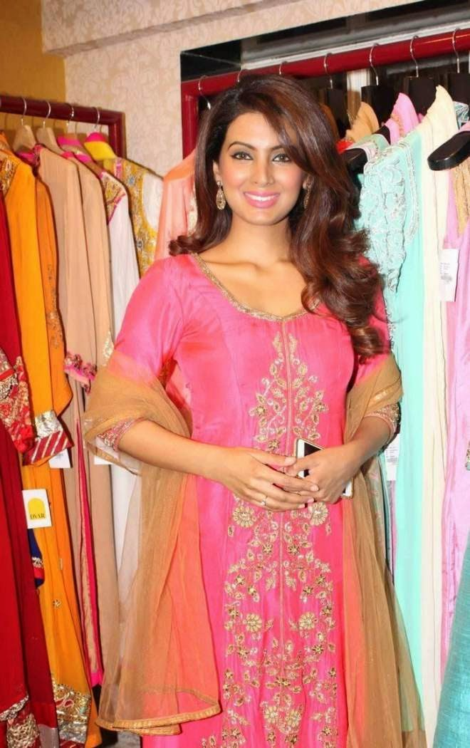 Bollywood Actress Geeta Basra Wallpapers