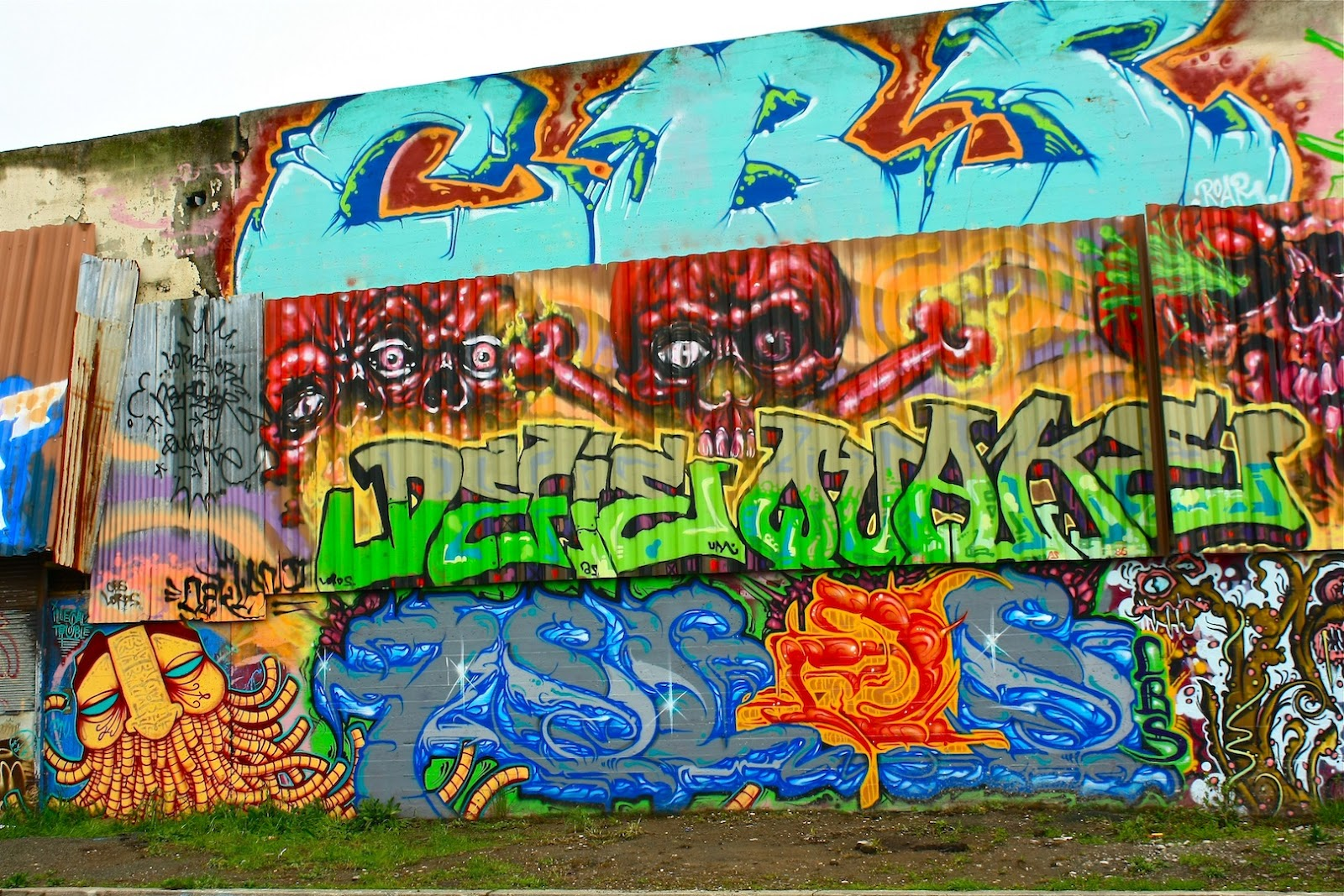 Oakland daily photo monday mural honest al 39 s wall for Alabama wall mural