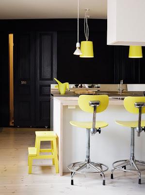 espacios amarillo y gris