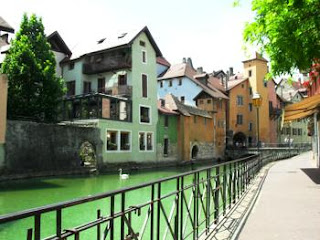 Disabled Travel: Wheelchair Access in Annecy France