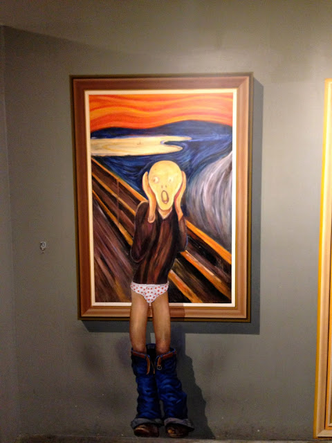 Edvard Munch Scream pants down
