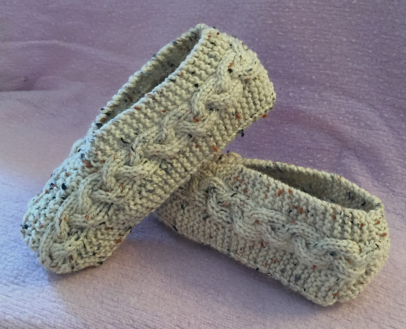 Kweenbee and me learn to knit slippers with these patterns cable knit slippers 299 learn to knit comfy cozy cabled slippers this pattern shows you how to make slippers for children from a small size 3 to a bankloansurffo Choice Image