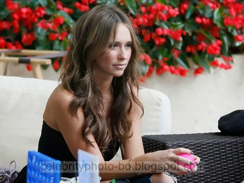 Jennifer+Love+Hewitt+Latest+Hot+Photos+With+Short+Biography004