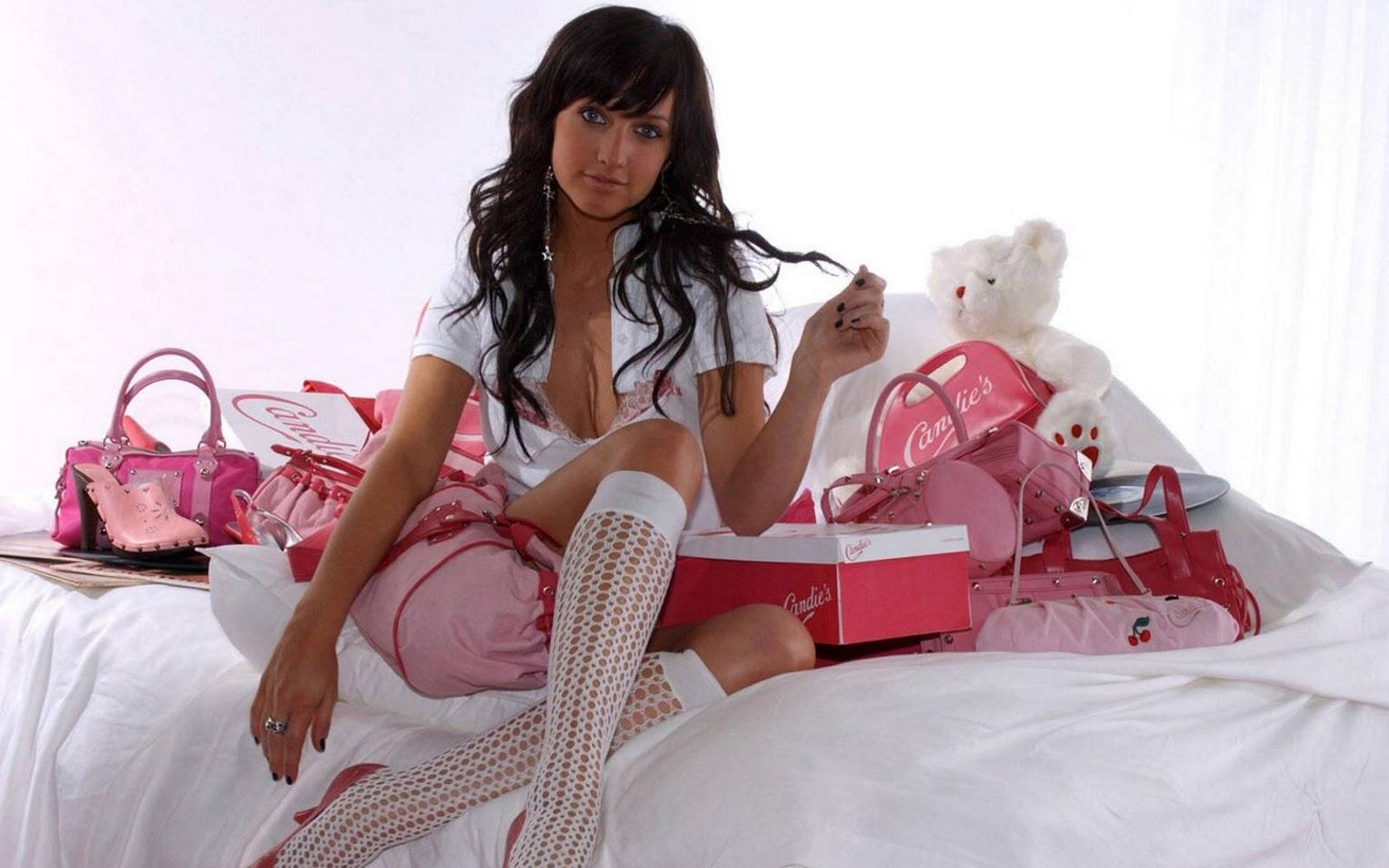http://4.bp.blogspot.com/-vT6srXze4-s/TxEXZIx9IDI/AAAAAAAANhU/AXtwKWQ1xgM/s1600/64154_ashlee650_122_971lo.jpg