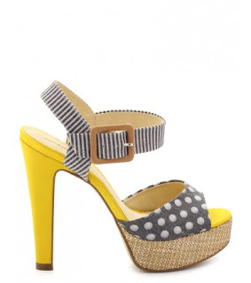http://chroniquedunemakeupaddict.blogspot.com/2012/02/ma-shoes-addiction.html