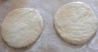 preparare foaie de placinta de csa, cum se prepara foaia de placinta de casa, cum facem foi de placinta de casa, reteta foi de placinta, retete foi de placinta,
