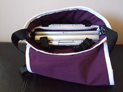 Carrying case for portable DVD players free tutorial from makeit-loveit