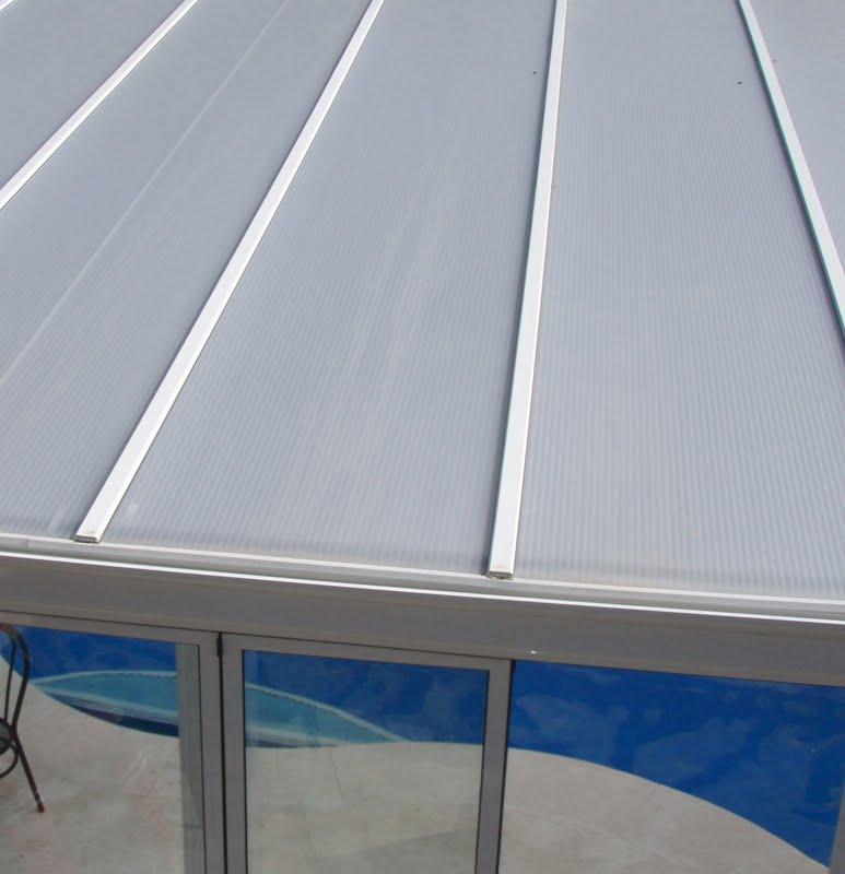 Techos y cubiertas de piscinas cubiertas bajas y altas for Cubiertas de piscinas