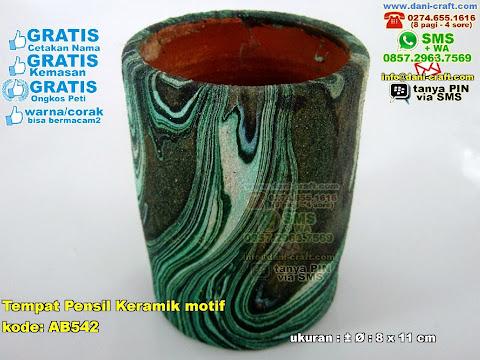 Tempat Pensil Keramik Motif