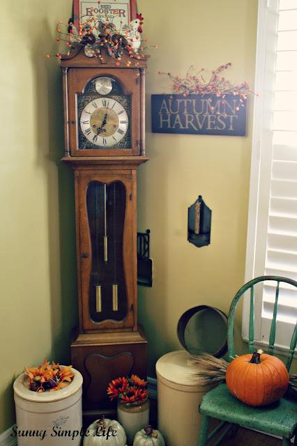 crocks, prim home, fall pumpkins