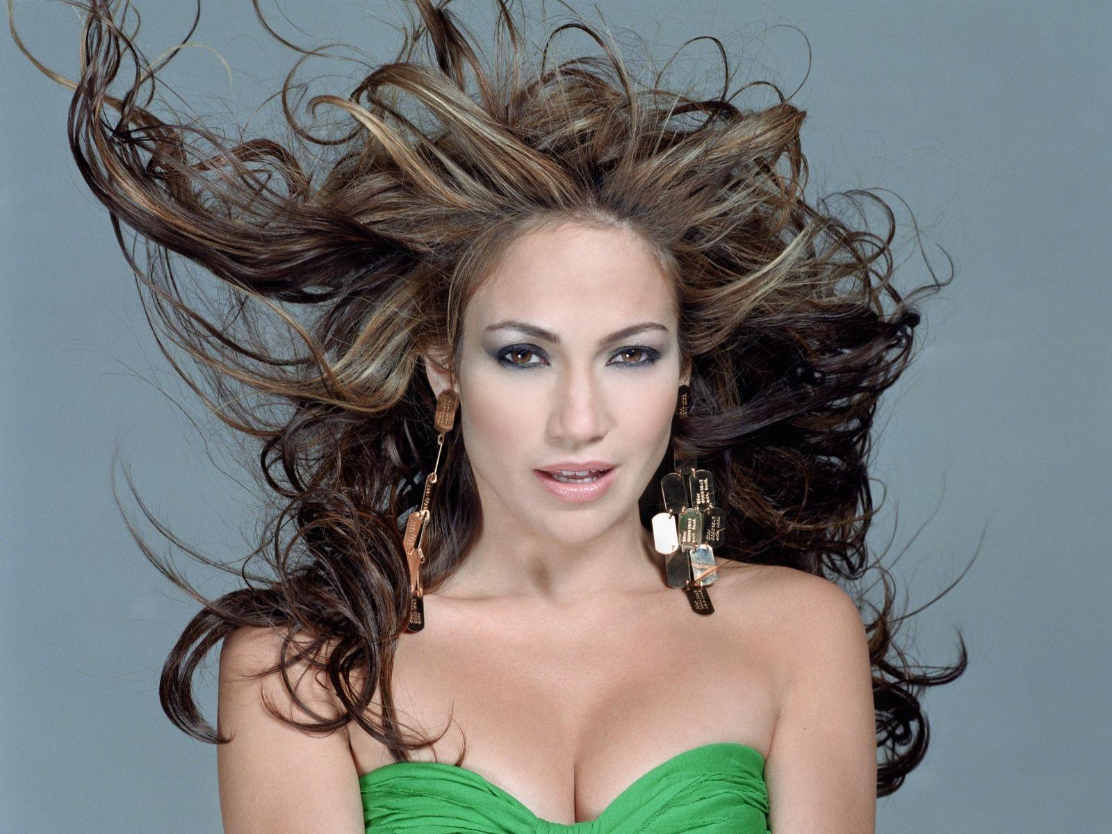 http://4.bp.blogspot.com/-vTfhpxesOI0/T9fiL90RbII/AAAAAAAAD08/uOpSc9_5jEY/s1600/Jennifer_Lopez_hot_sexy_wallpaper_latest+(5).jpg