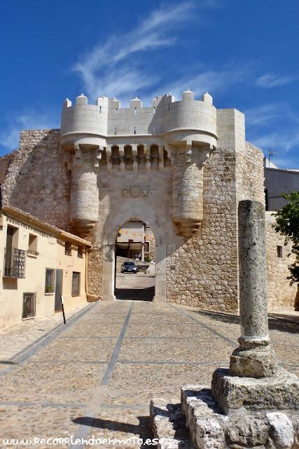 Puerta de Sta. María, Hita.