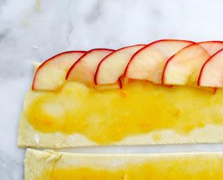 Apple Cake in Rose Shape (Bánh Táo Hoa Hồng) 1