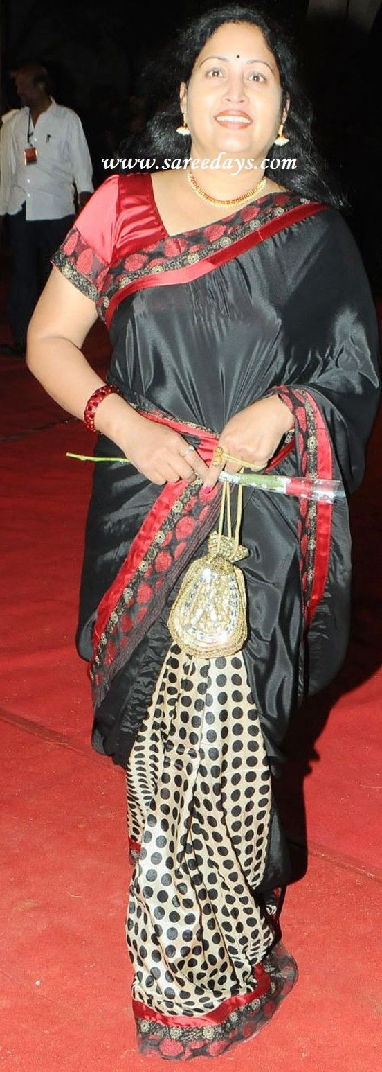 Ankita Lokhande Saree Printed pure silk sareeAnkita Lokhande Black Saree