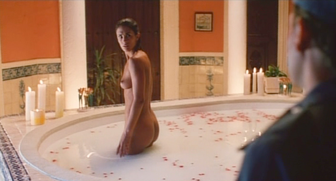 Ana La Salvia Desnuda