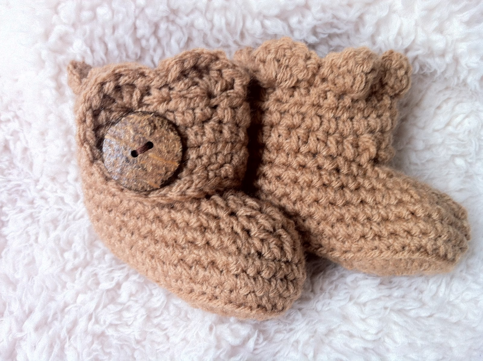 The Way I Crochet: Crochet Baby Ugg Booties