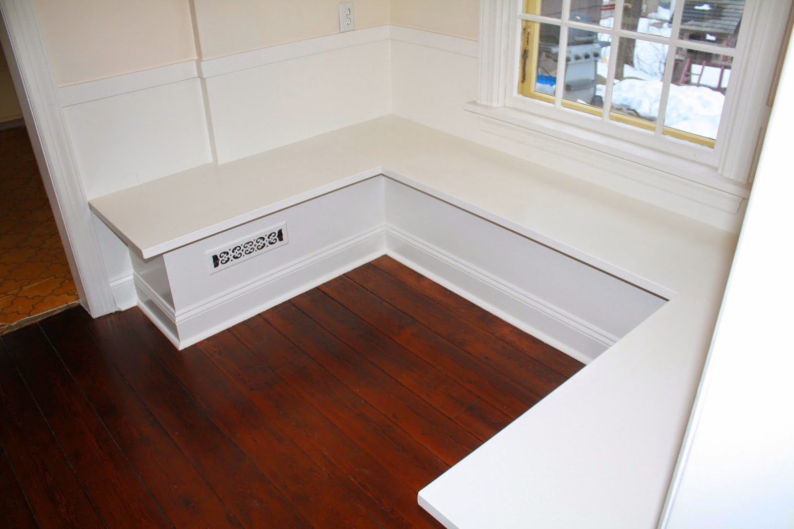 How to make a Breakfast Bench   Breakfast Nook Bench