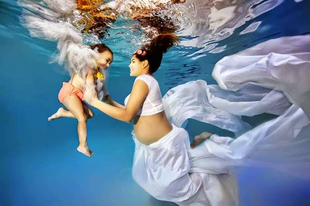 Maternity Photos Starring Pregnant Women Submerged in Water