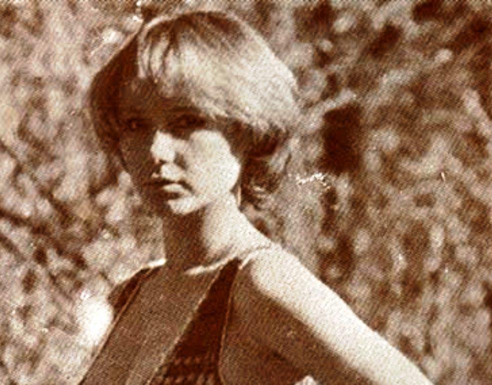 Yvonne Sentis Nude Photos 36
