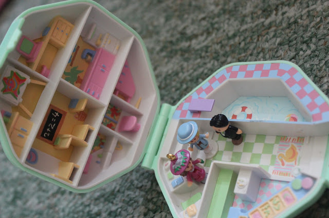 polly pocket school