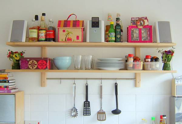 55 Minimalist Kitchen and Hanging Rack Designs