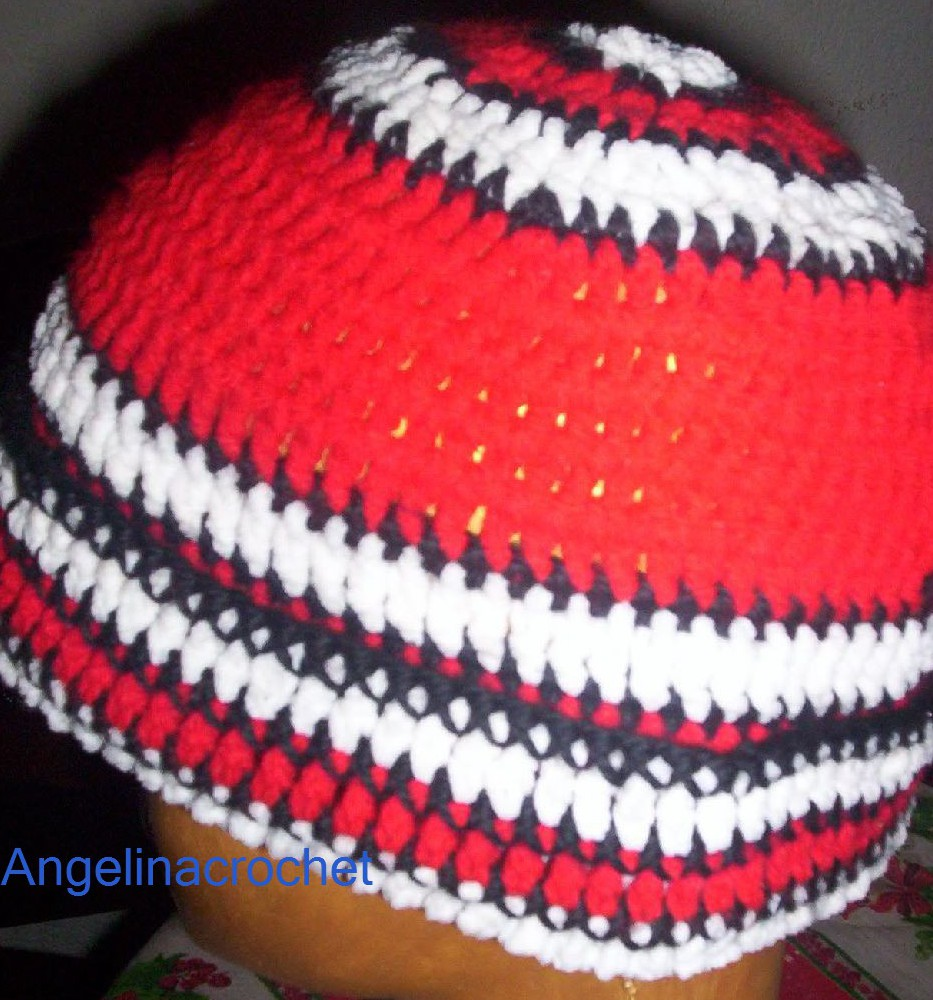 Angelina -crochet and more-: Gorro crochet-ganchillo River Plate