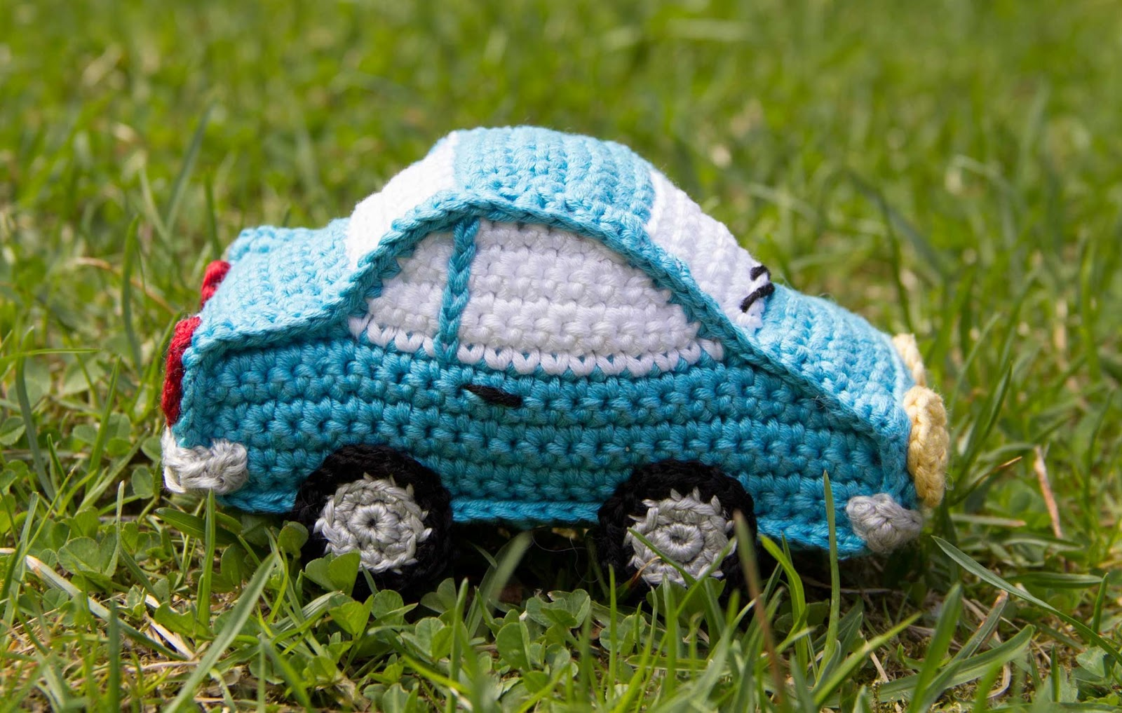 crochet car toy