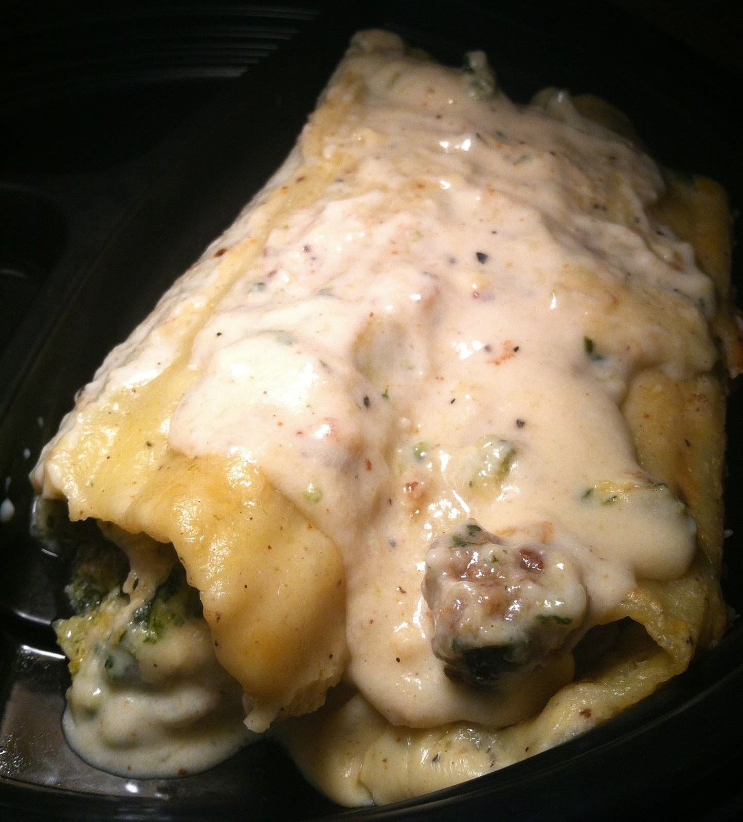 Twirl and Taste: Sausage, Spinach and Cheese stuffed Manicotti