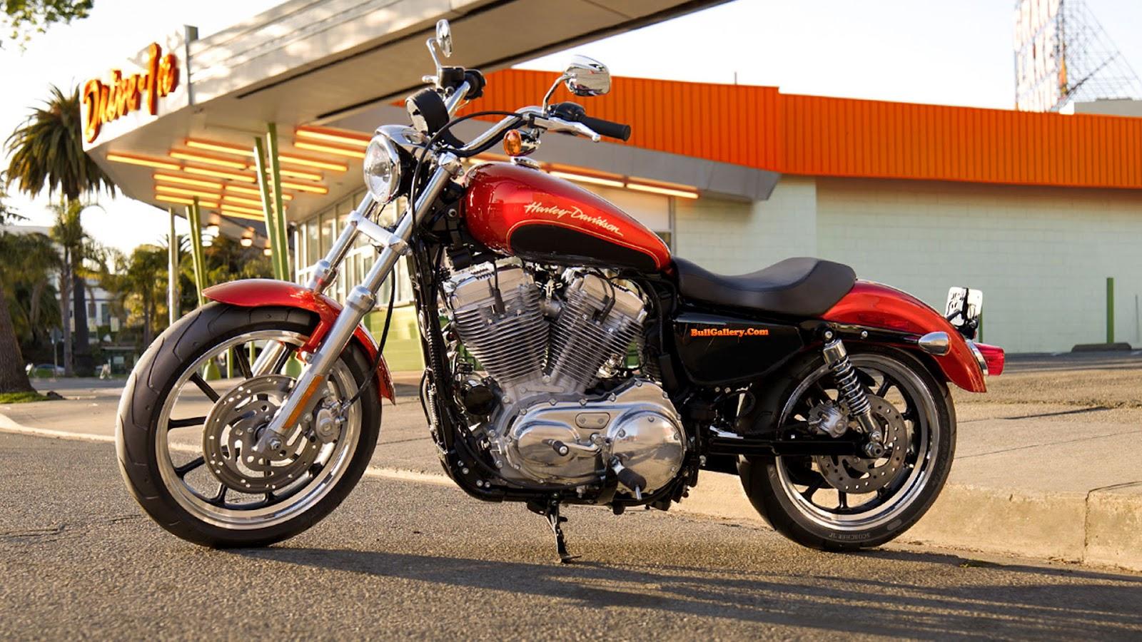 http://4.bp.blogspot.com/-vVSOBAiTVRY/UHBLSc-MR8I/AAAAAAAAAIs/UaKEMeoka4M/s1600/Harley-Davidson-XL883L-Sportster-883-SuperLow-Red-Wallpapers-BullGallery.Com.jpg