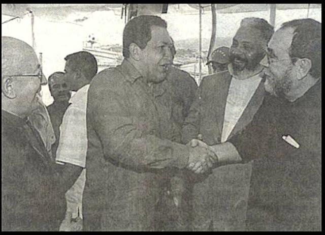 http://4.bp.blogspot.com/-vVSSi0DQOoA/U8qfB7SUWAI/AAAAAAAAWGU/5oG73vTSX3w/s1600/Ariovaldo+Ramos+e+Hugo+Chavez.jpg