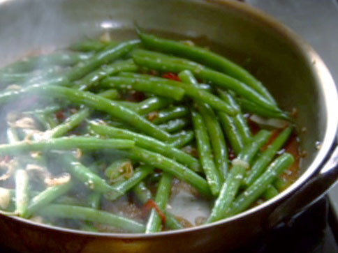 My Kitchen By The Lake: String Beans With Ginger And Garlic