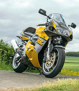 Suzuki GSX-R750 SRAD Review, The Last 750 Superbike !