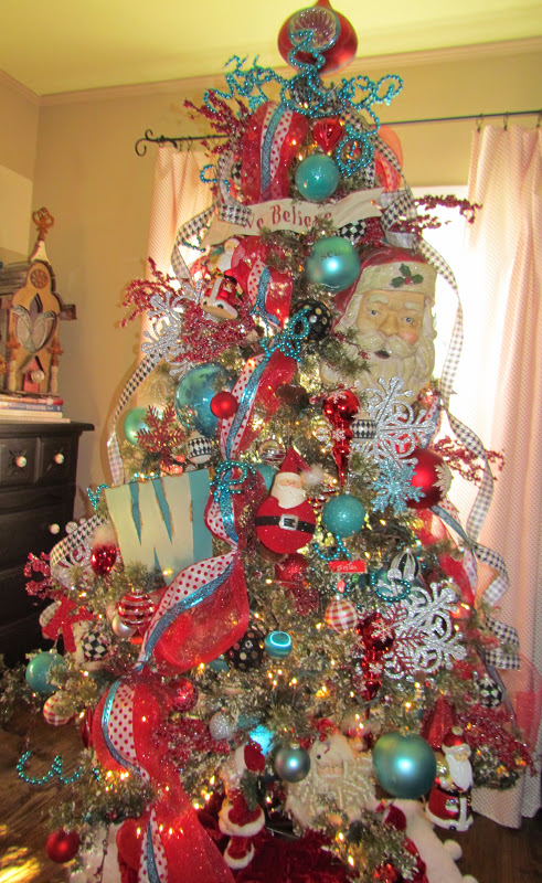 it really does make all the difference in the world to do one color at a time i have broken my rules before and totally regretted it - Red And Turquoise Christmas Decorations