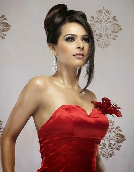 Madhurima Tuli hottest bikini Pics